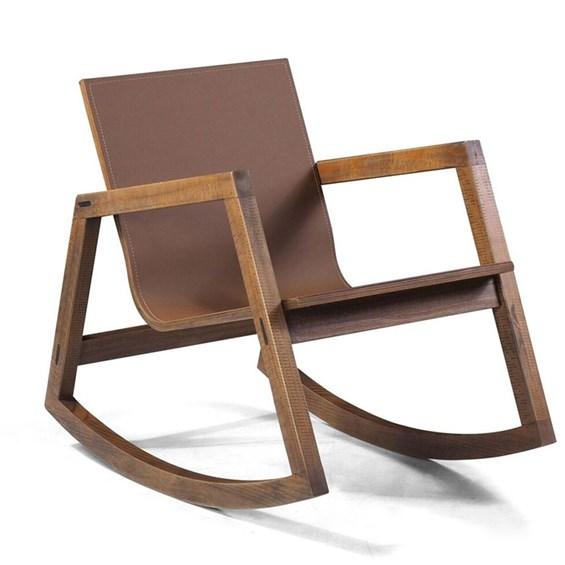 Cadeira de Balanço Toledo em Madeira Maciça C/Couro