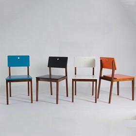 Cadeira Elgin em Madeira Maciça - Bordô