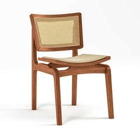 Cadeira Modesto em Madeira Maciça - Amêndoa/Bege