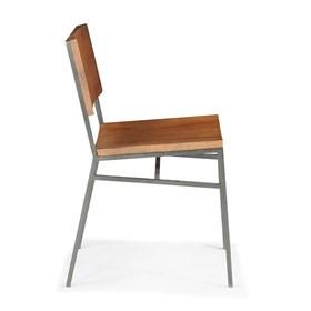 Cadeira Montreal em Madeira Maciça
