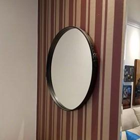 Espelho de Parede Redondo Barrichelle com Borda e Fivela em Couro