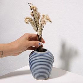 Vaso Kurbeti Alto em Cerâmica 11cm - Azul Claro